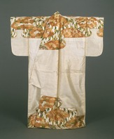 Nuihaku (Nō costume)—white fabric based, with design of snowy willows and folding fans on top and bottom partsimage