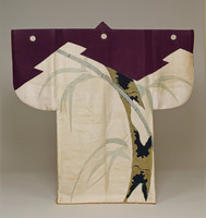 Kosode (kimono with small wrist openings), skin of pine-tree and bamboo pattern on white silk-warp fabricimage