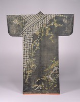 Kosode (kimono with small wrist openings), with geometric patterns of plants, crane and turtle on black and red figured satinimage