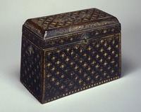 Sutra box with chrysanthemum pattern in mother-of-pearl inlayimage