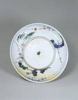 Plate with picture of crested myna in overglaze enamels image
