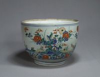 Bowl with picture of birds and flowers in overglaze enamelsimage
